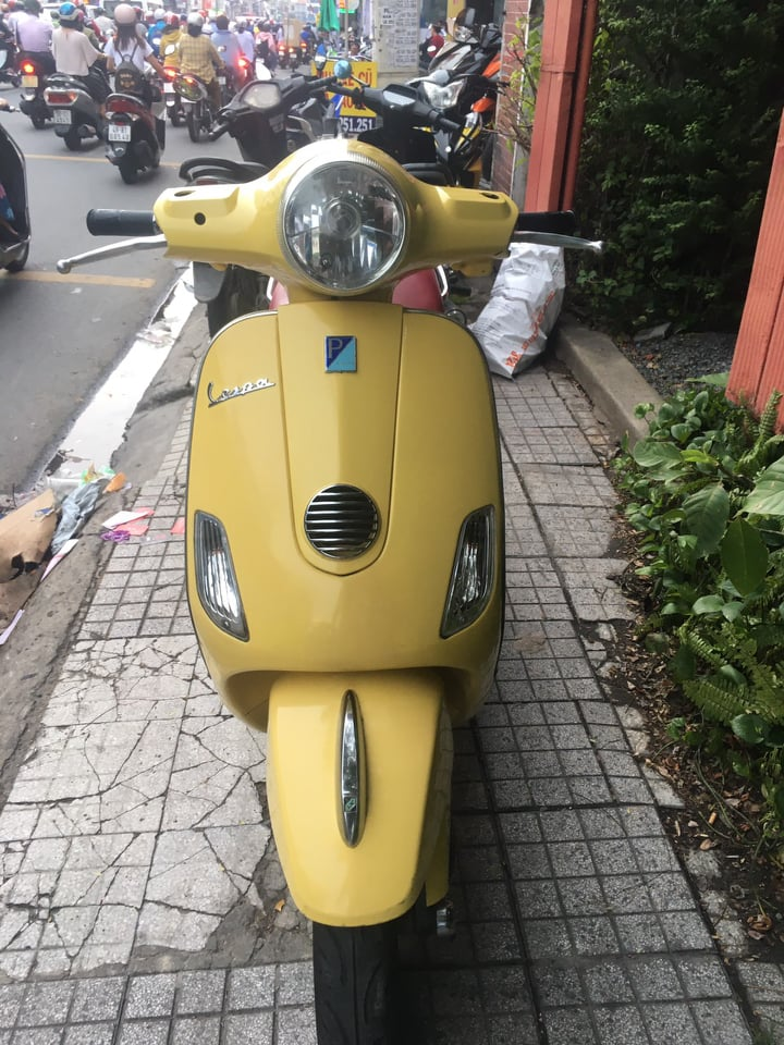Piaggio Vespa LX 125ie 2012 xe bstp vip 25678 giá gián 22tr5