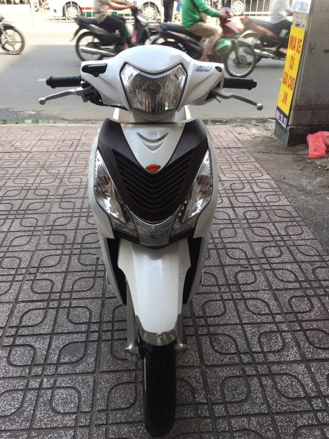 Honda Vision 110cc Fi 2018 màu trắng bstp 9 chủ 061.15 giá bán 28tr8