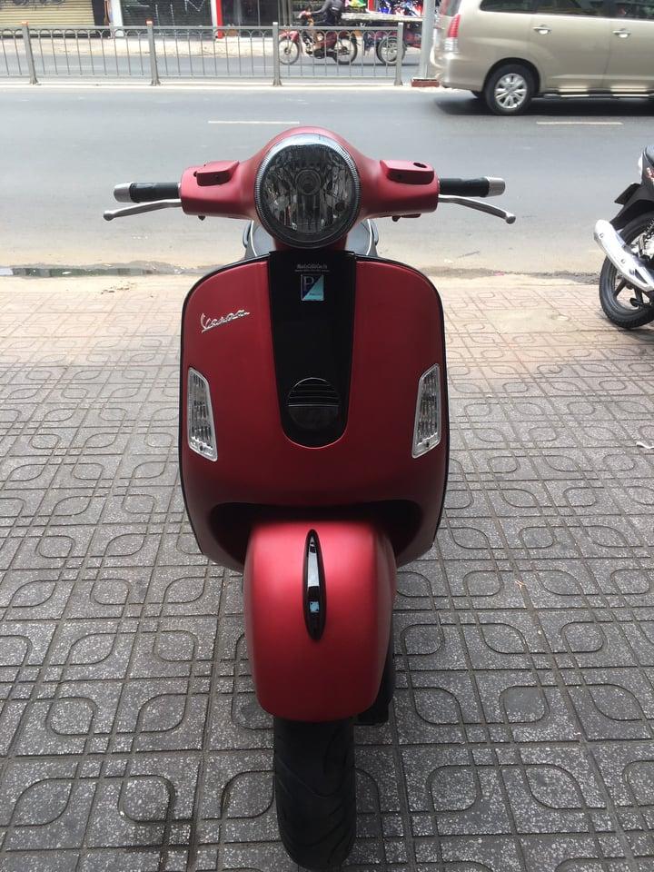 Piaggio Vespa GTS 125cc 2006 xe bstp 160.49 đỏ nhám bán 22tr